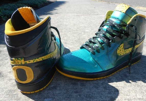 Air Jordan 1 Oregon Ducks Customs by Zadeh Kicks
