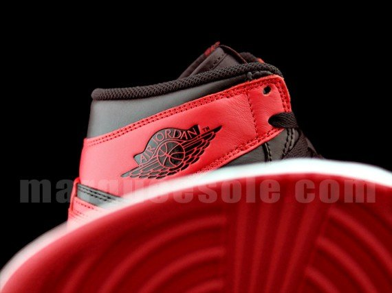 Air Jordan 1 Retro High OG Bred Yet Another Detailed Look