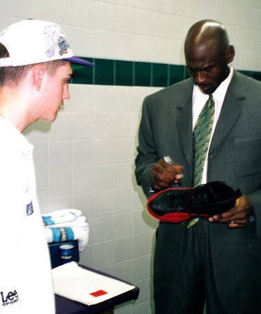 air-jordan-xii-12-flu-game-worn-and-autographed-by-michael-jordan-to-be-auctioned-off-2