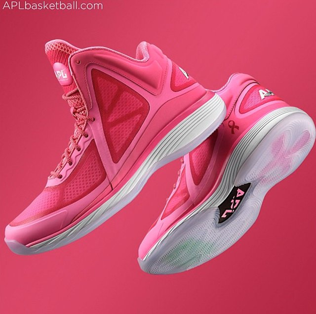 athletic-propulsion-labs-concept-3-breast-cancer-awareness-full-look-1