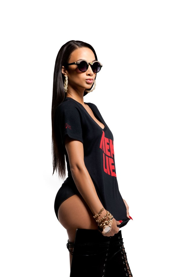 draya-michele-for-rocawear-fall-holiday-2013-3