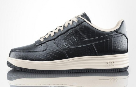Fragment Design x Nike Lunar Force 1Releasing at 21 Mercer