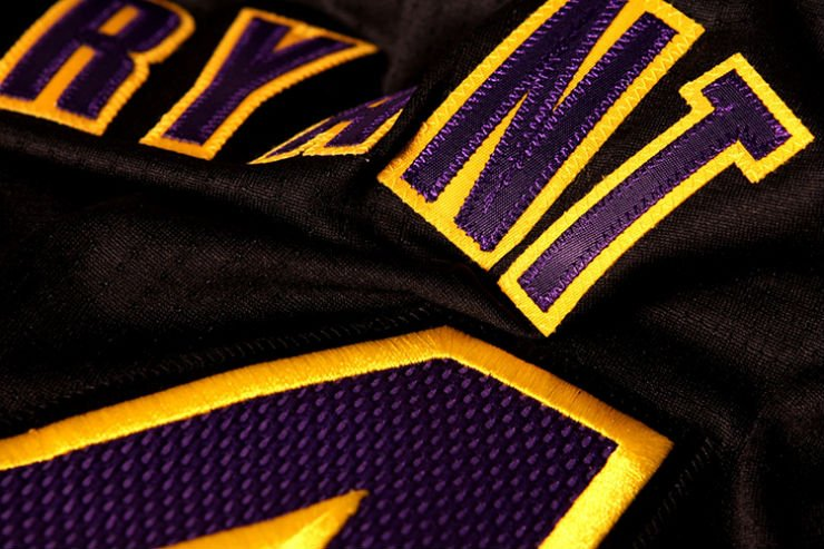 los-angeles-lakers-unveil-new-hollywood-night-black-alternate-uniforms-11