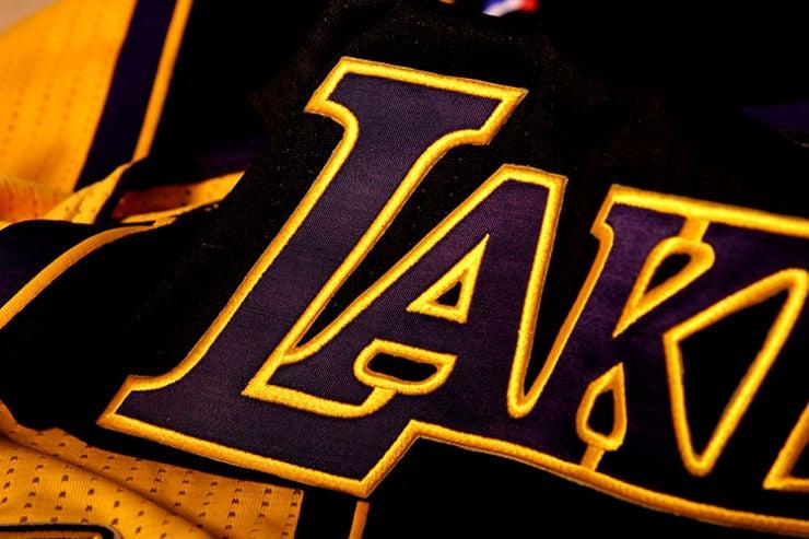 los-angeles-lakers-unveil-new-hollywood-night-black-alternate-uniforms-5