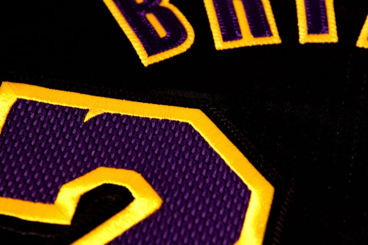 los-angeles-lakers-unveil-new-hollywood-night-black-alternate-uniforms-7