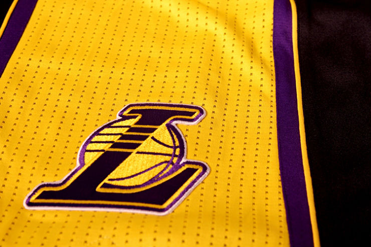 los-angeles-lakers-unveil-new-hollywood-night-black-alternate-uniforms-8