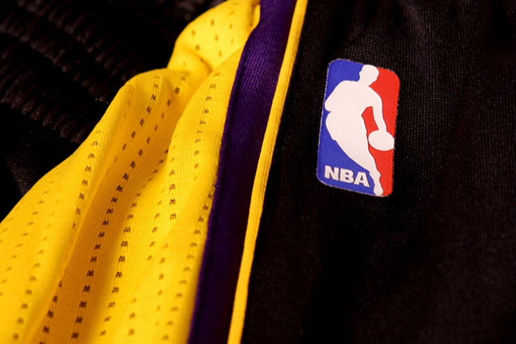 los-angeles-lakers-unveil-new-hollywood-night-black-alternate-uniforms-9