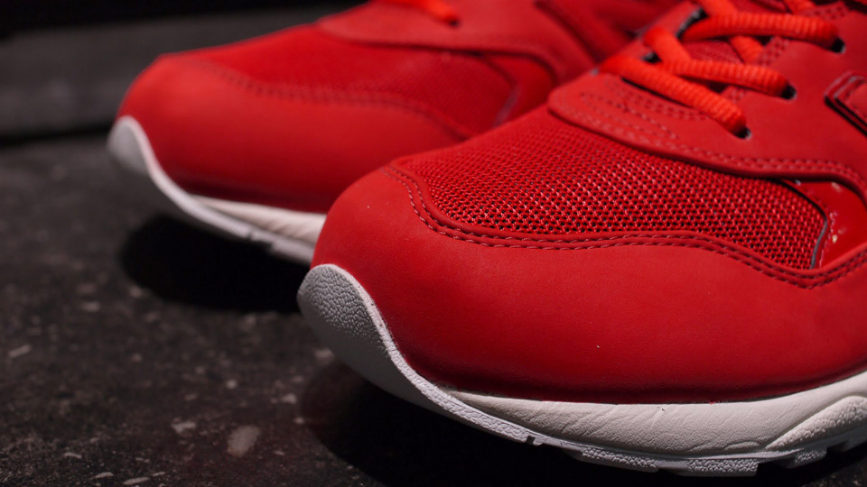new-balance-mrt580ab-red-white-2