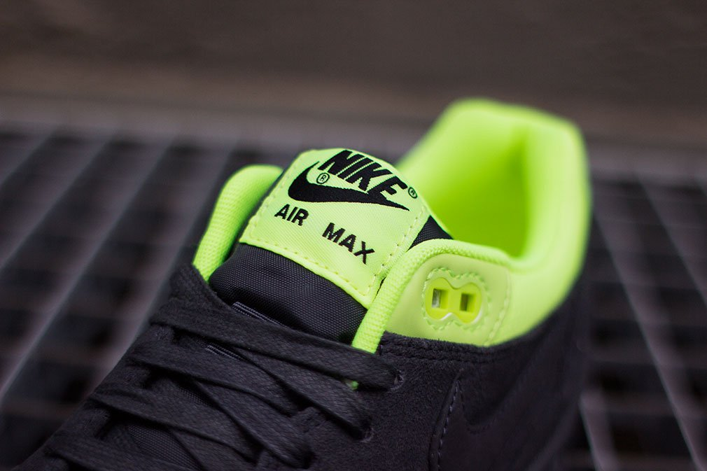 nike-air-max-1-prm-black-anthracite-volt-7