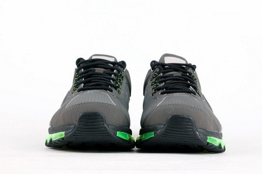 nike-air-max-2013-leather-grey-black-volt-3