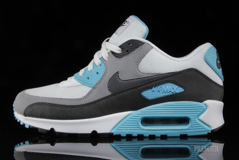 nike-air-max-90-essential-summit-white-medium-grey-black-dark-charcoal-1
