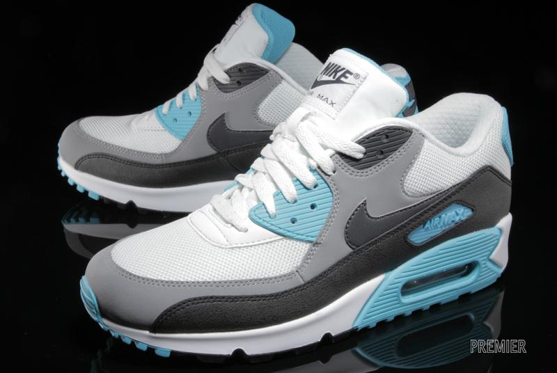 nike-air-max-90-essential-summit-white-medium-grey-black-dark-charcoal-2