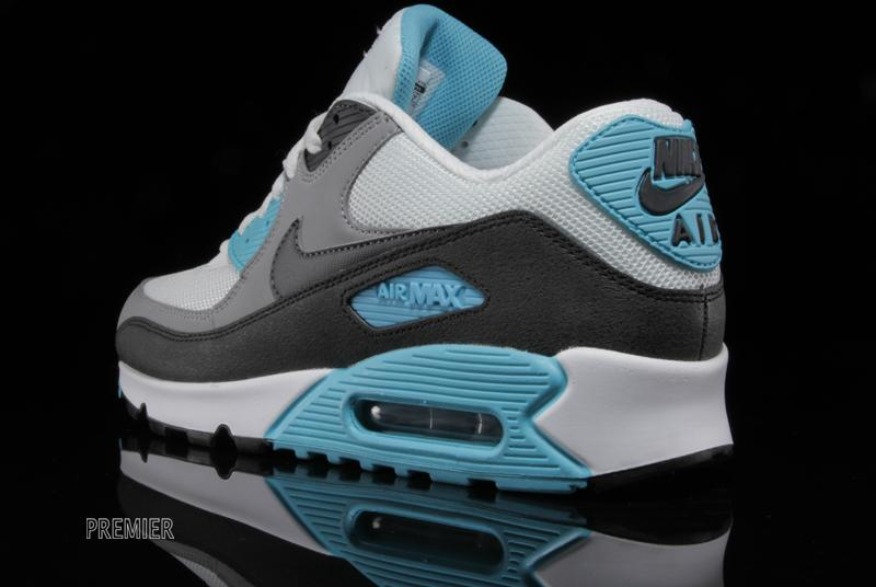 nike-air-max-90-essential-summit-white-medium-grey-black-dark-charcoal-5