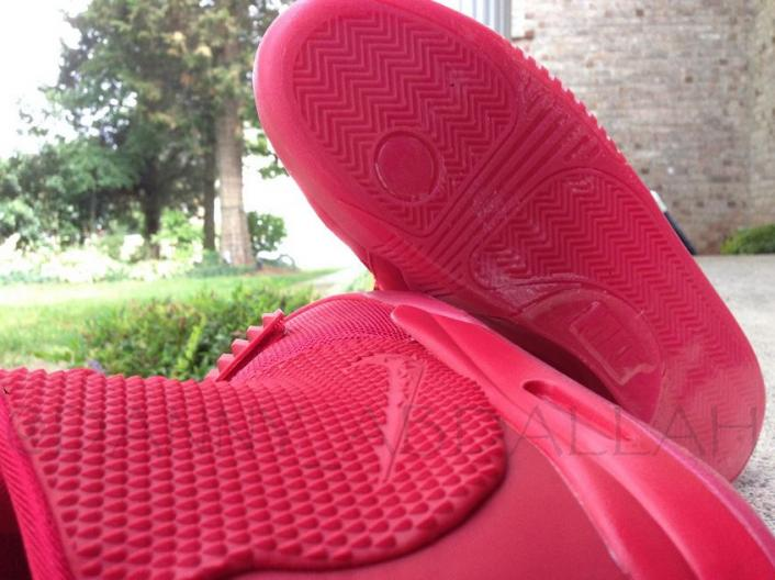nike-air-yeezy-2-red-october-new-images-4