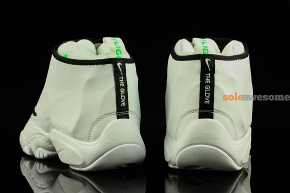 nike-air-zoom-flight-the-glove-white-black-new-images-5
