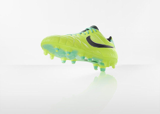 nike-football-introduces-new-high-visbility-collection-16