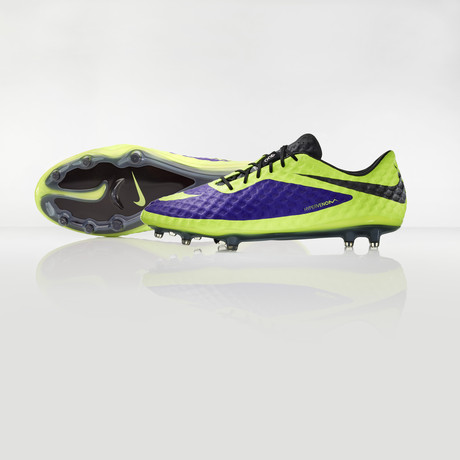 nike-football-introduces-new-high-visbility-collection-2