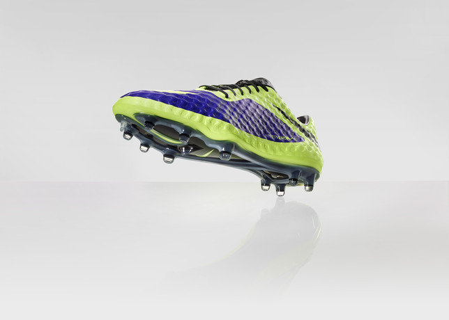 nike-football-introduces-new-high-visbility-collection-5