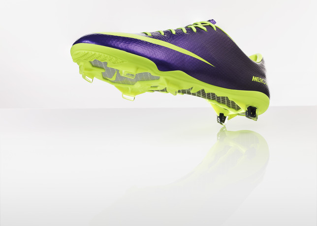 nike-football-introduces-new-high-visbility-collection-9