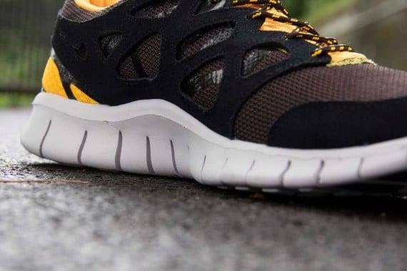 Nike Free Run 2 Black Laser Orange Mandarin Now Available for Pre-Order