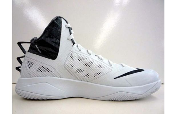 nike-hyperfuse-2013-white-black-2