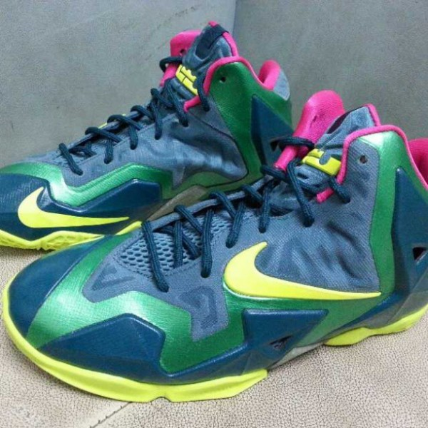 nike-lebron-xi-11-gs-blue-green-volt-new-images-1