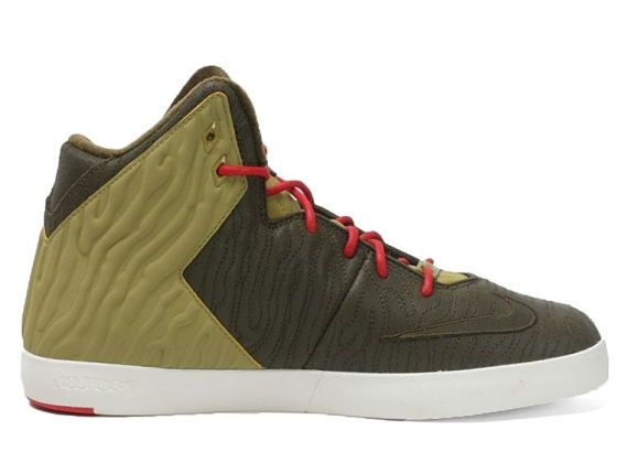 nike-lebron-xi-nsw-lifestyle-dark-loden-dark-loden-parachute-gold-university-red-release-date-info-3