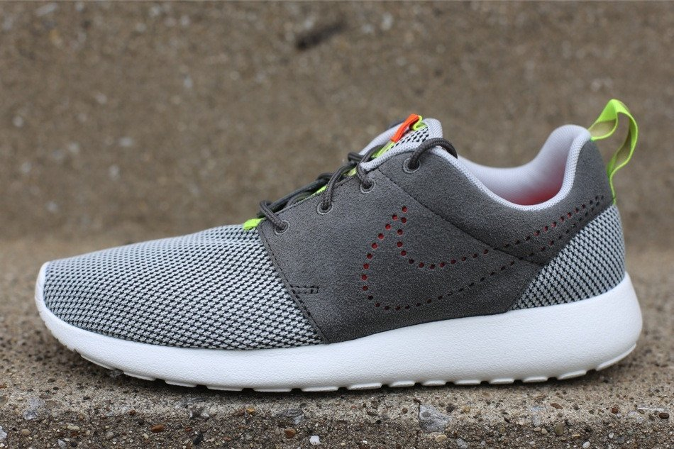 nike-roshe-run-dusty-grey-pewter-1