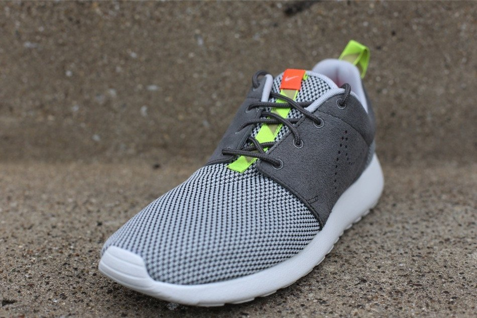 nike-roshe-run-dusty-grey-pewter-2
