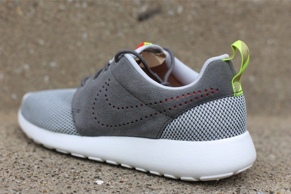 nike-roshe-run-dusty-grey-pewter-3