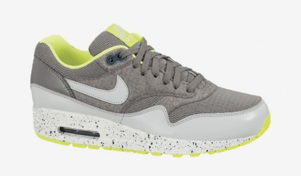 nike-wmns-air-max-1-canyon-grey-dusty-grey-volt-sail-now-available-1