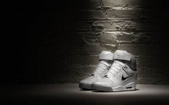 Nike WMNS Air Revolution Sky Hi City Pack