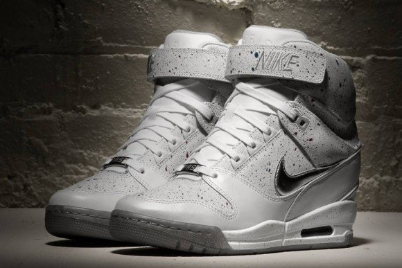 Nike WMNS Air Revolution Sky Hi City Pack Paris
