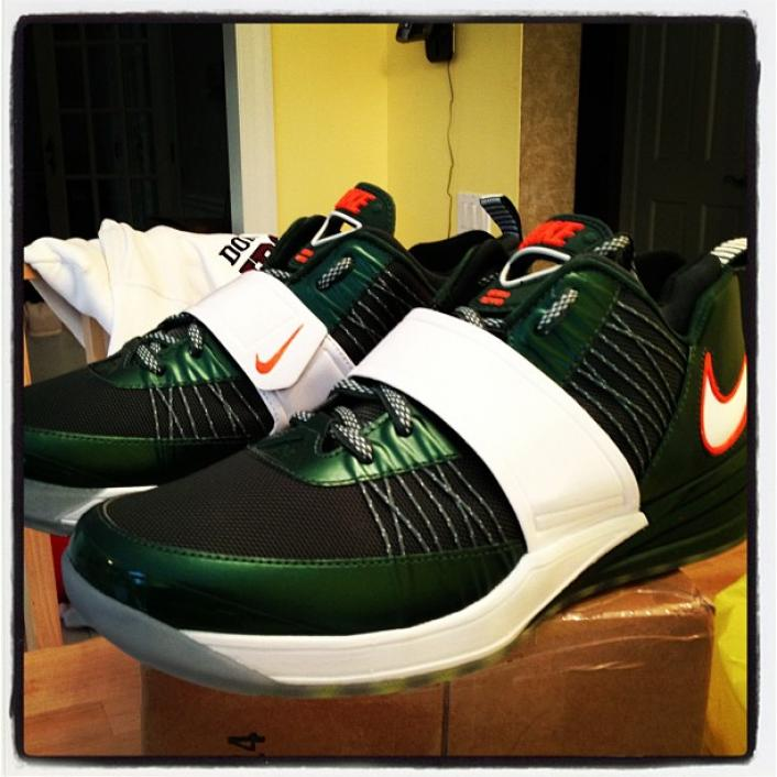 nike-zoom-revis-the-u-custom-3
