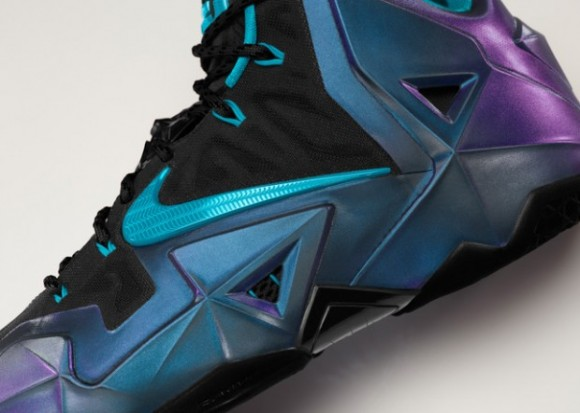 NIKEiD LeBron 11 Updated Info