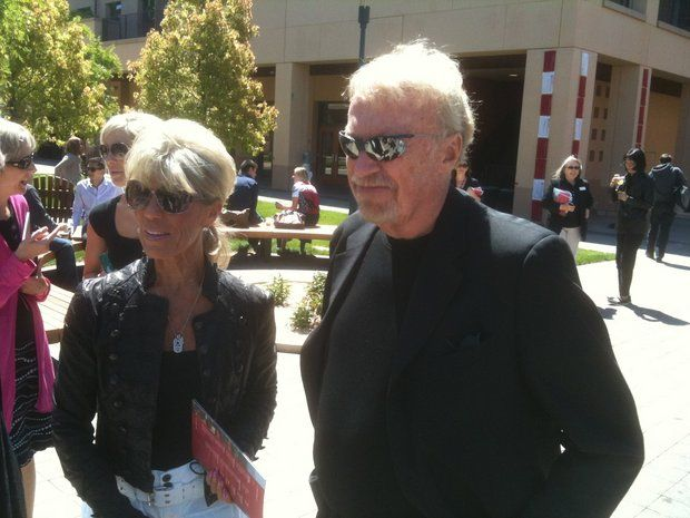 phil knight and wife pledge  500 million to cancer