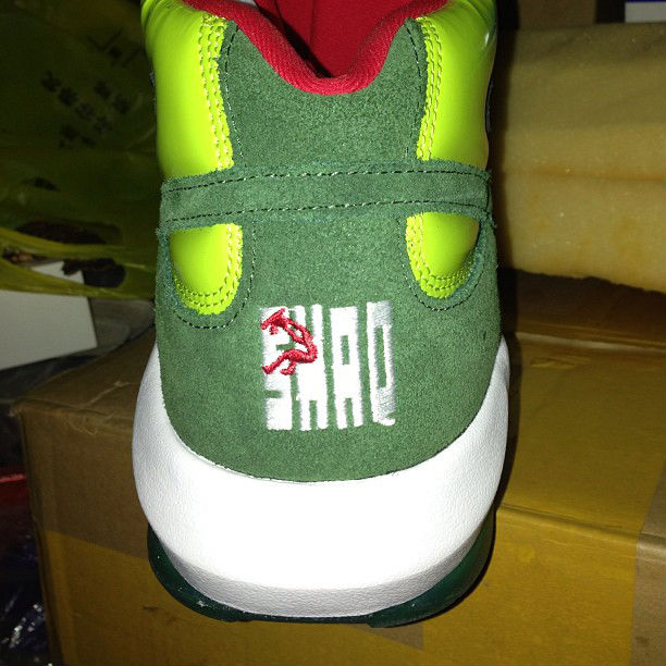 reebok-shaq-attaq-ghost-of-christmas-present-release-date-info-3