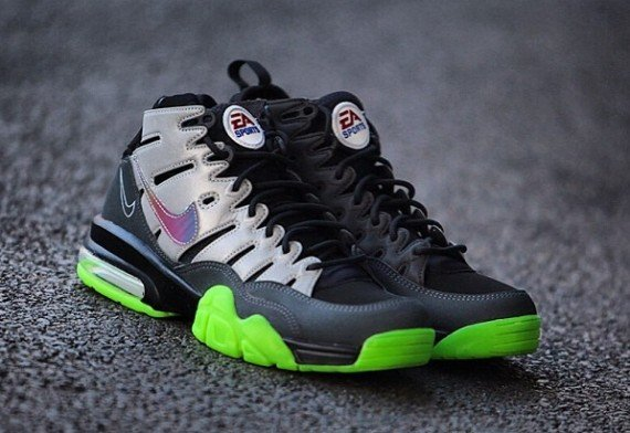 release-reminder-ea-sports-nike-air-trainer-max-2-94-premium-qs-madden-nfl-25-2