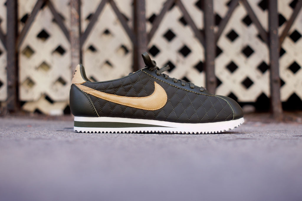 41cee33d6 Release Reminder: Nike Classic Cortez Nylon Premium QS 'Quilted ...