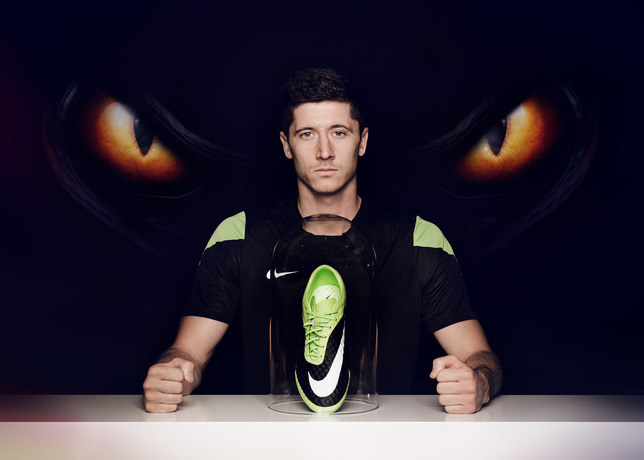 robert-lewandowski-joins-young-footballers-at-nike-hypervenom-berlin-knockout-2