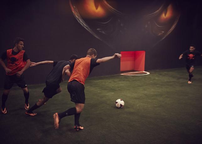 robert-lewandowski-joins-young-footballers-at-nike-hypervenom-berlin-knockout-6