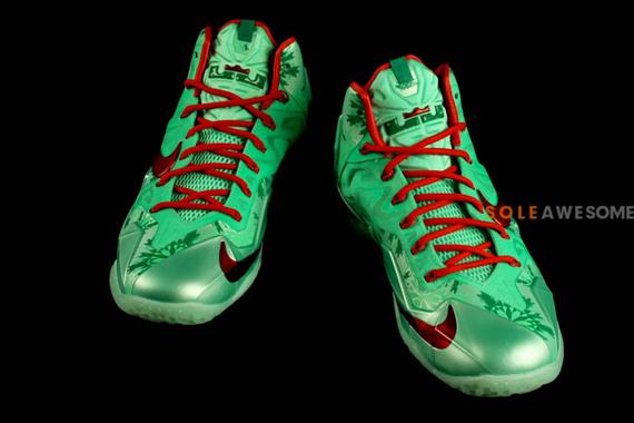 Nike LeBron XI Christmas Detailed Look