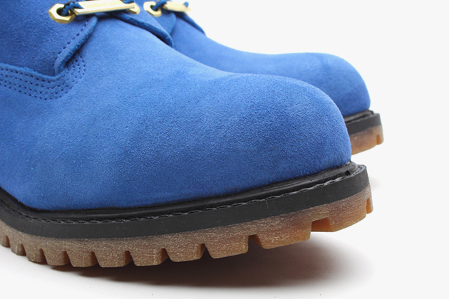 atmos-timberland-6-premium-blue-suede-boots-4