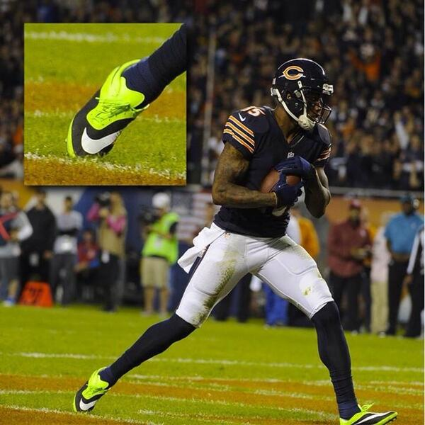 brandon-marshall-wears-green-nike-hyperveom-cleats-in-support-of-mental-illness-awareness-week-2