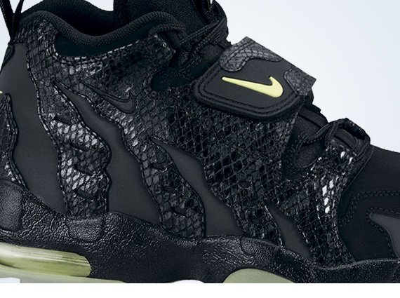 Nike Air DT Max '96 GS Snakeskin Now Available