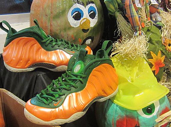nike-air-foamposite-one-great-pumpkin-customs-4