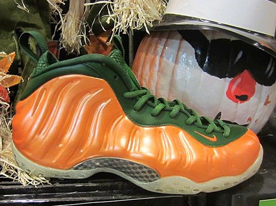 nike-air-foamposite-one-great-pumpkin-customs-5