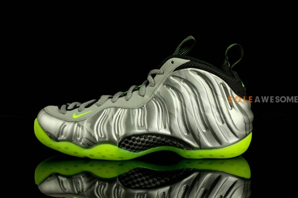 nike-air-foamposite-one-metallic-silver-neon-lime-black-new-images-2