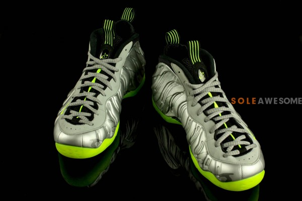 nike-air-foamposite-one-metallic-silver-neon-lime-black-new-images-4
