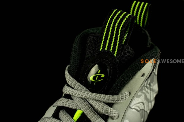nike-air-foamposite-one-metallic-silver-neon-lime-black-new-images-5